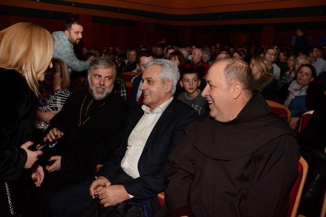 Vladika Grigorije na Božićnom koncertu:  Vapaj za mirom i pomirenjem među ljudima