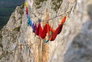 National Geographic o neobičnoj zabavi u BiH: Uživanje u ležaljkama iznad kanjona Tijesno