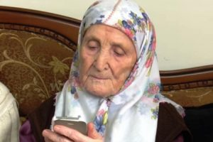 Super baka ima 105 godina i poslala je snažnu poruku svima