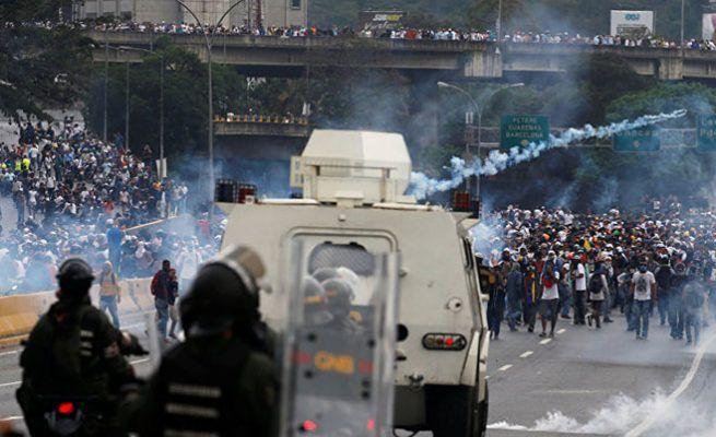 Venecuela: Sukobi vojske i demonstranata, ima žrtava (VIDEO)