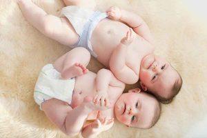 NEOBIČNA PRIČA DVIJE BEBE Maleni Andrea rođen čak dva mjeseca nakon JOŠ SITNIJEG brata blizanca
