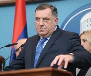 Dodik: Sa papom o ustaškim zločinima nad Srbima