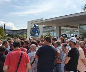 RADNICI NEZADOVOLJNI: Livnica neće startati 1.septembra, nude se otpremnine